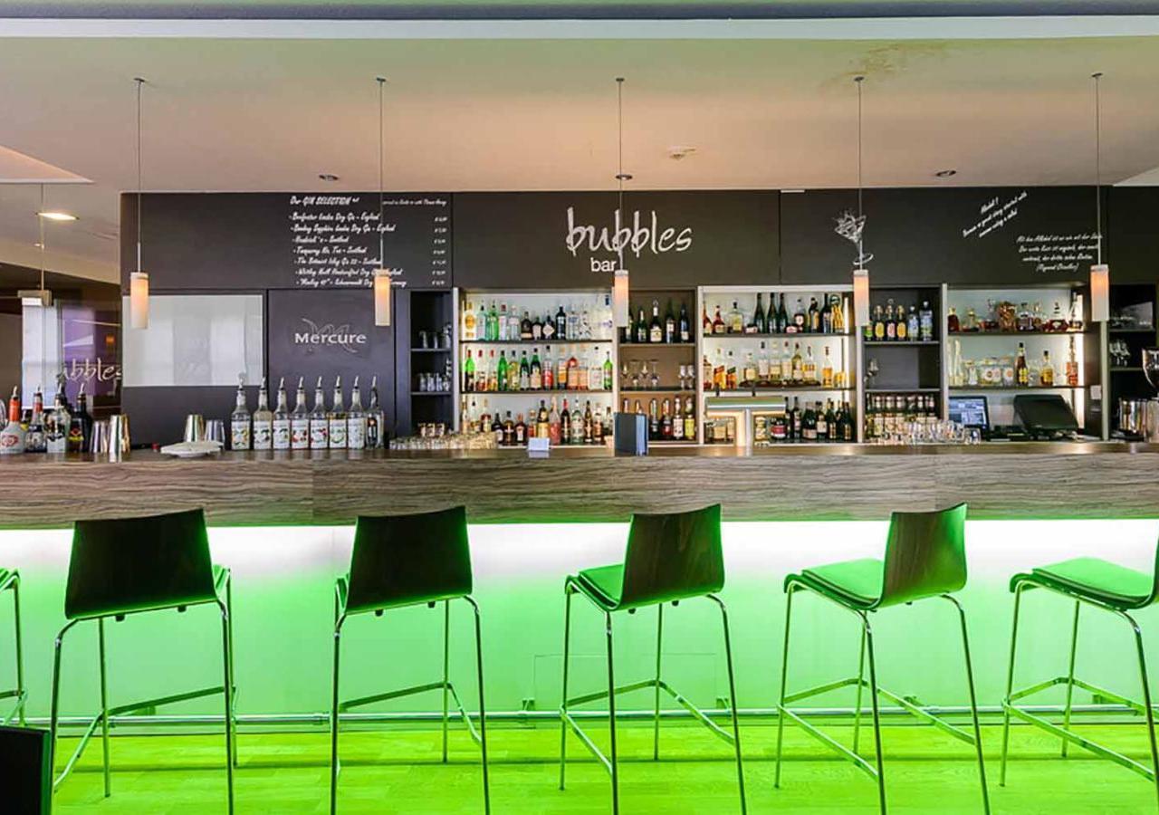 mercure hotel m nchen messe s d bar 2 amp mercure hotel m nchen s d messe. Black Bedroom Furniture Sets. Home Design Ideas